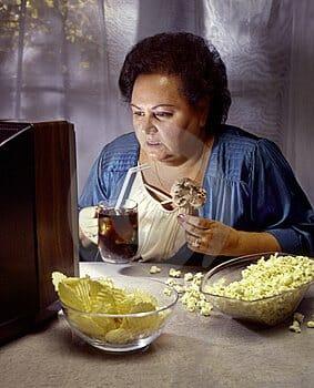 Eten voor de TV of PC, niet zo verstandig